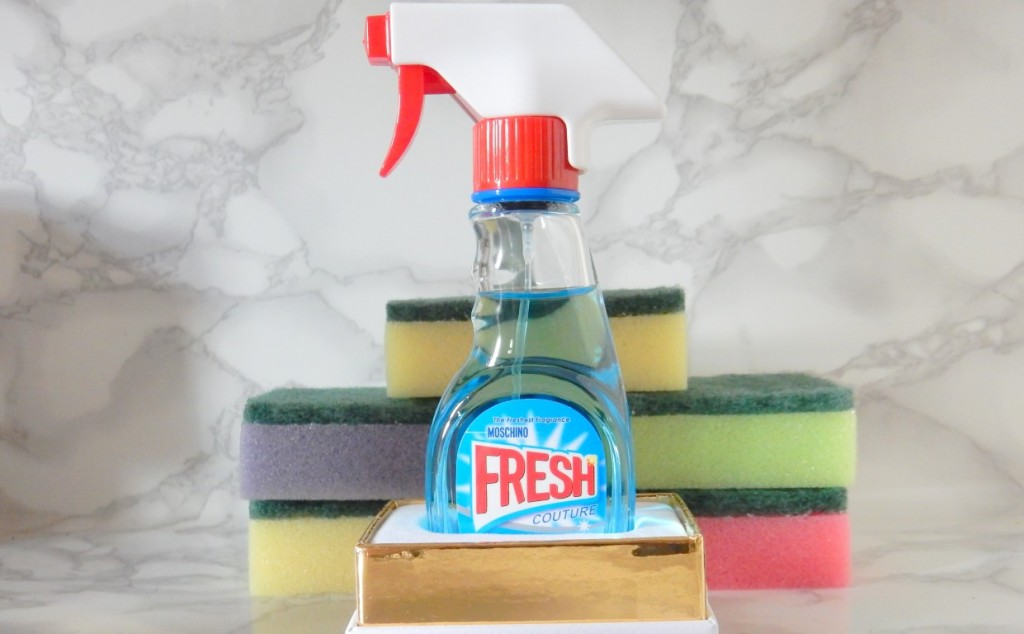 Moschino Fresh Couture.JPG2.JPG fles met spons (Medium)