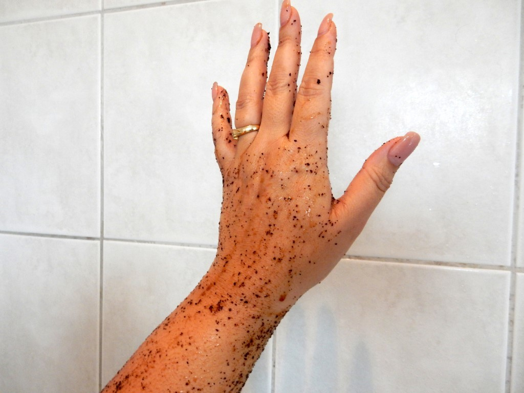 Rub, the coffee scrub hand (Medium)